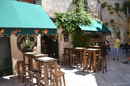 Weinlokal in Porec Altstadt